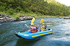 inflatable kayaks_rogue river_whitewater_rafting_kayaking_fall trips_riogue_river