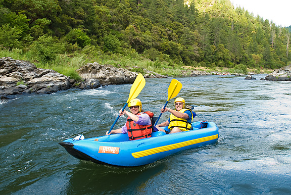 rogue_river_inflatable_kayakers_oregon_whitewater_rafting_trips