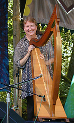 maureen_brennan_irish_harp_rogue_classical_music_trip