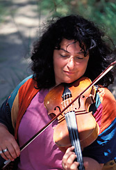 shira_kammen_violinis_baroque_celtic_classical_music_rogue_river_whitewater rafting_classical_music_concerts